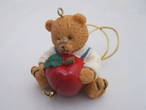 AVON 1997 HOLIDAY ORNAMENT GIFT TOPPER - TEDDY BEAR WITH APPLE FOR TEACHER NIB