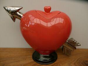 Rare RISING HAWK England HEART TEAPOT PITCHER 1970 Carlton Ware Red SILVER ARROW