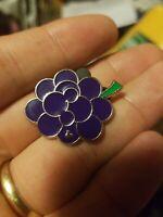 Grapes Disney Pin - WDW - 2017 Hidden Mickey Series - Fruit (USED)