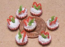 1:12 Scale 7 Loose Strawberry Cup Cakes Dolls House Miniature Food Acessory PL19
