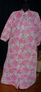 vintage quilted nylon ladies dressing gown BIG PINK ROSES sz 18-20 vintage
