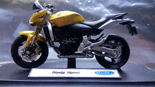 Welly -  Honda Hornet (H19660-PW) Scale 1:18 Die cast with Plastic parts