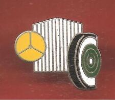 Pin's pin MERCEDES  LOGO CALANDRE ET ROUE (ref CL09)