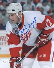 BRETT HULL HAND SIGNED 8x10 COLOR PHOTO       GREAT POSE WITH RED WINGS     JSA
