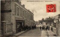 CPA  Les Essarts-le-Roi (S.-&-O.)-  Rue de la Poste   (246361)