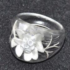 Bague vintage en lucite transparente fleur blanche gravée T 54 bijou ring