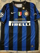 Maglia Inter finale Champions 2010 Milito 22 tg L con patch + ricamo finale