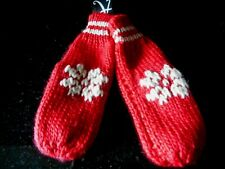 LADIES RED MITTENS  BY ACCESSORIZE RRP £12,00 ONE SIZE