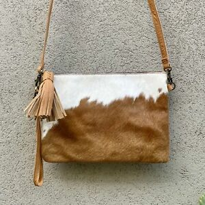 Sahara Reversible Cowhide & Leather Crossbody Clutch Bag - Tan White