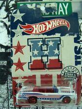 '18 HOT WHEELS 1967 PONTIAC GTO 1:64 SCALE STARS & STRIPES SERIES