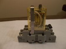 IDEC RH2B-UL Relay DC24V w/ IDEC SH2B-05 Relay Socket, 10A, 300V