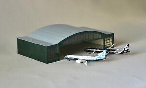 Airport Terminal Hangar (2) short 1/400 Scale
