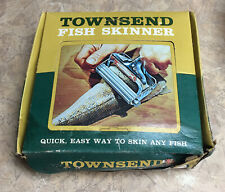 VINTAGE TOWNSEND FISH SKINNER FISHING NEW IN BOX WITH INSTRUCTIONS