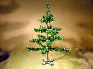 47 cm Christbaum aus Papiertinsel (Alt kein Plastik) für Puppenstube Federbaum