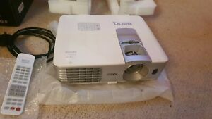 Benq w1070 projector 1080p HD Dlp 3d 2000 lumens