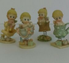 Figurines Stone Resin Bobble Babies On Springs