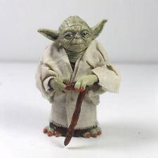 Star Wars Master Yoda Jedi Knight Master Attack Statue Cane Action Figure