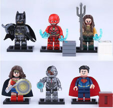 set figurine JUSTICE LEAGUE /Batman, Superman, Wonder woman, Flash, Cyborg lego
