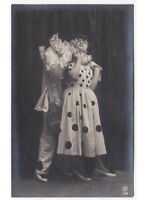 Pierrot Pierrette Abrazo Amantes Foto Tarjeta Postal Antigua Disfraz Teatro