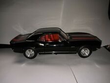 New listing Road Signature 1/18 No. 92188 Camaro Z28 Black with Red Stripe