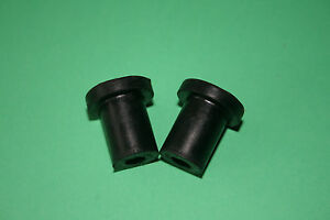 TRIUMPH BATTERY CARRIER SIDE PANEL OIL TANK MOUNTING RUBBER PAIR 82-6673 97-4021