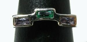 Beautifull 925 Sterling Silver ring with emerald