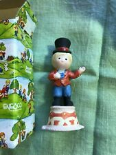 Country Cousins Figurines Enesco Scooter as Greatest Showman,Circus Ring Leader