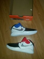BOYS NIKE TEAM HUSTLE TRAINERS SIZE C13.5