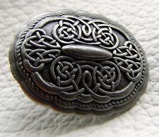 Auffällige Ziernieten Beschlag Schild Spitz Farbe Altsilber No.9 Celtic Platte