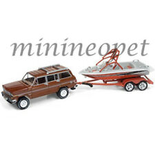 JOHNNY LIGHTNING GONE FISHING JLBT003 A 1981 JEEP WAGONEER with BOAT 1/64 BROWN
