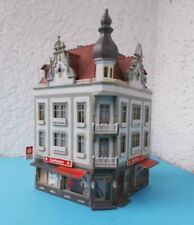EXCELLENTLY DETAILED FALLER HO TOWN HOTEL CORNER BUILDING w/ SHOP ****** EXC