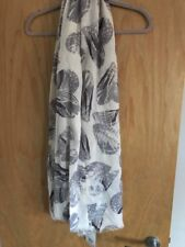 Lola Rose 100% Wool Scarf Grey Feather Print - New