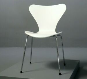 Stuhl 3107 Arne Jacobsen, Fritz Hansen weiß Serie 7 Chair Chrom 2001 Chaise