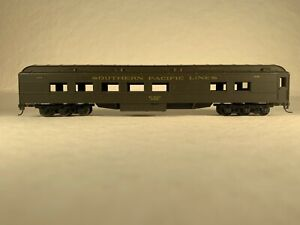 ATHEARN 1893, SOUTHERN PACIFIC LINES DINER #2047 - KADEE COUPLERS