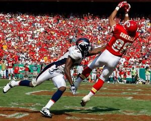 TONY GONZALEZ 8X10 PHOTO KANSAS CITY CHIEFS KC PICTURE NFL FOOTBALL