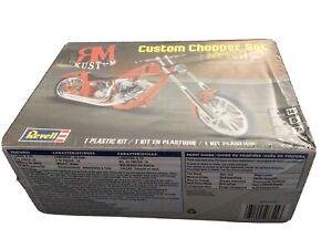 Revell MR KUSTOM Custom Chopper Set 1:12 Plastic Model Kit #7324 Factory Sealed