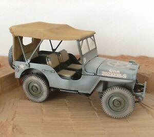 Jeep Willys Solido militaire 1/18 modifiée