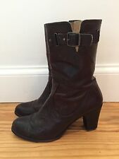 Frye Women's Brown Leather Boot Size 7 1/2 *** FREE SHIPPING