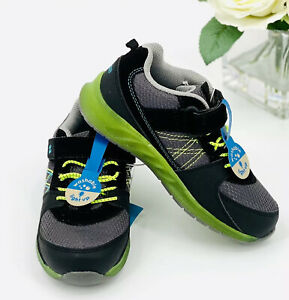 NEW Stride Rite Light-Up Sneakers Toddler/ Baby Boy Size 4 Casual Shoe Black