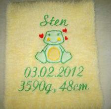 Kuschelige Decke Babydecke mit Namen und persönlichen Daten bestickt