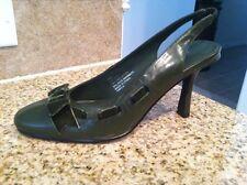 **NEW** Size 7M Army Green Worthington Heel with Velvet Bow