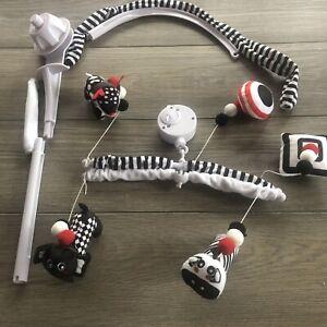 Black & White Animals Musical Wind Up Crib Mobile NWOB