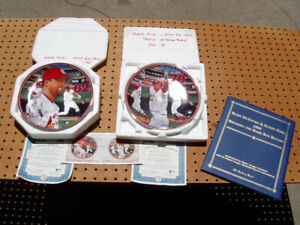 2 BRADFORD EXCHANGE COLLECTOR PLATES MARK MCGWIRE + SOSA and MCGWIRE CARDS NICE
