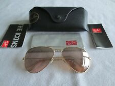 Ray Ban gold frame aviator sunglasses. RB 3025 001/3E. With case.