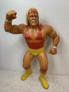 Vintage WWF LJN Superstars 1988 Red Shirt Hulk Hogan Wrestling Action Figure