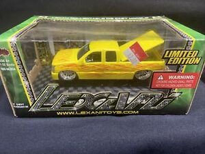 Lexani Collectable Die Cast Models 2004 chevy silverado SS RARE MODEL 1/32 scale