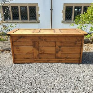 A Bespoke Good Quality Solid Pine Chunky Contemporary Blanket Storage Chest