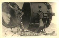 CARTE PHOTO PROJECTEUR ANTI-AERIEN DCA VERS 1940 ?