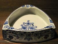 Delft triangle ashtray