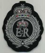 Traumhaft schöner Wappen AUFNÄHER mit erhabenen Kronen und dickem Silberfaden